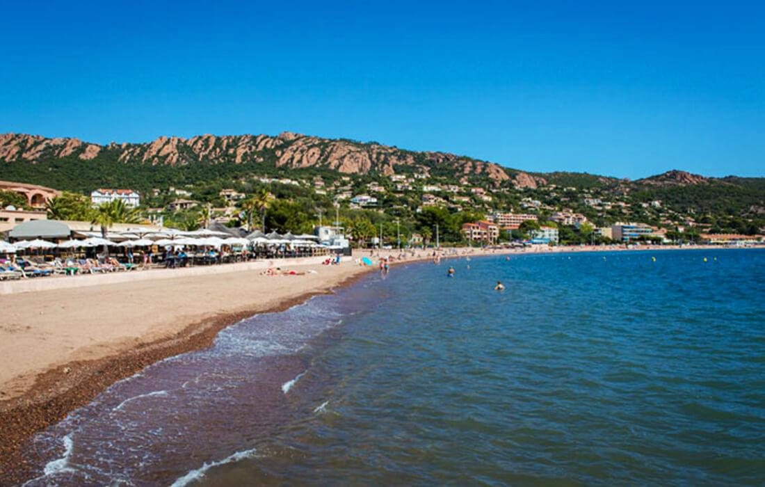 Plage d'Agay vacances et locations