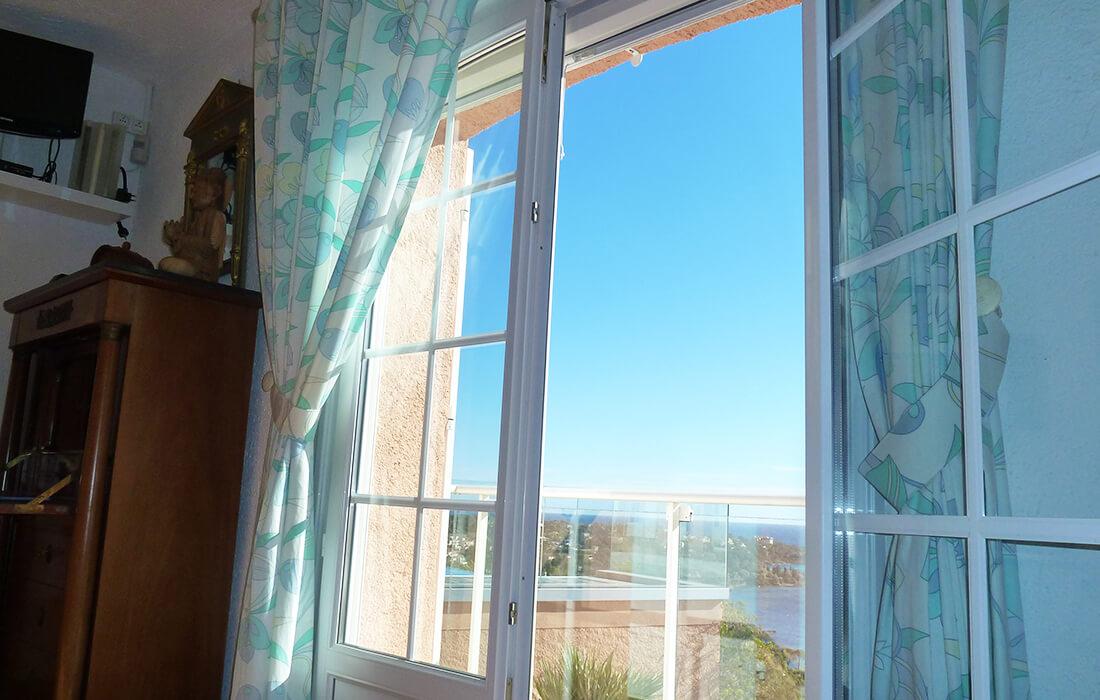 Vue panoramique vacances dans le sud à Agay